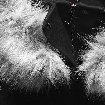 Hosszú női kabát kapucnival 22172 fekete - Kabátok - MODOVO 6d77e83d19